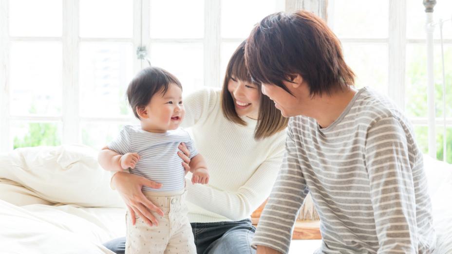 香港整體人口及青少年的生活滿意度:家庭及學校支援的影響