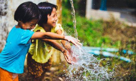 讓孩子自由在校冒險的快樂童年